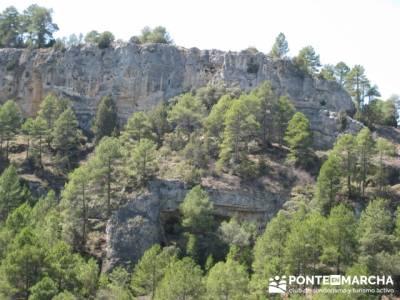 Alto Tajo en grupo - Senderismo Hundido de Armallones; trekking; sierra de gredos